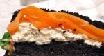 イカスミバケッドのサーモン&クリームチーズ